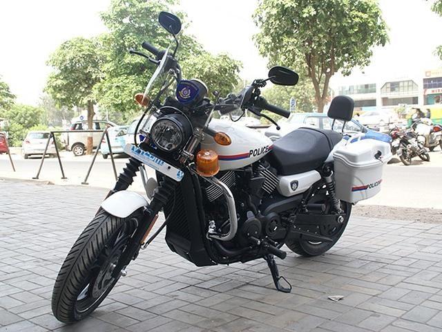 Gujarat Police Get Customized Harley Davidson Street 750 Gujarat Police Get Harleys With Images Harley Davidson Street Harley Davidson Dealership Harley Davidson