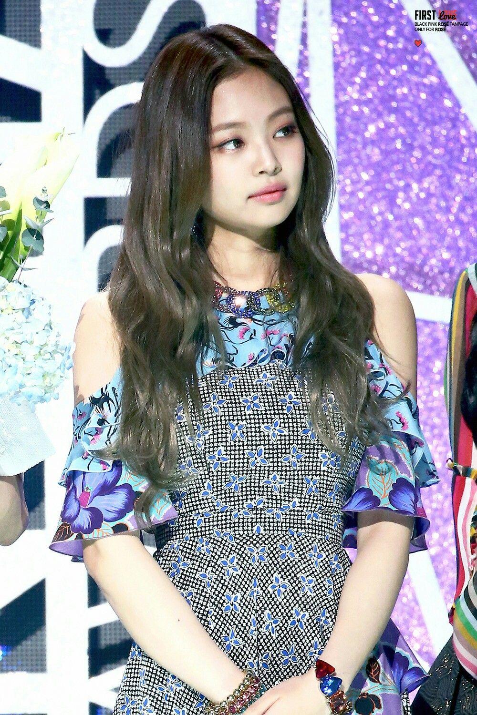 620018e463 170222 Jennie   6th Gaon Chart Music Awards