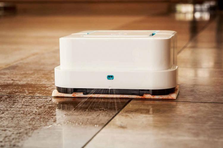 Irobot Braava Jet A Roomba Like Robot That Will Mop Your Hard Floors Irobot Braava Irobot Roomba