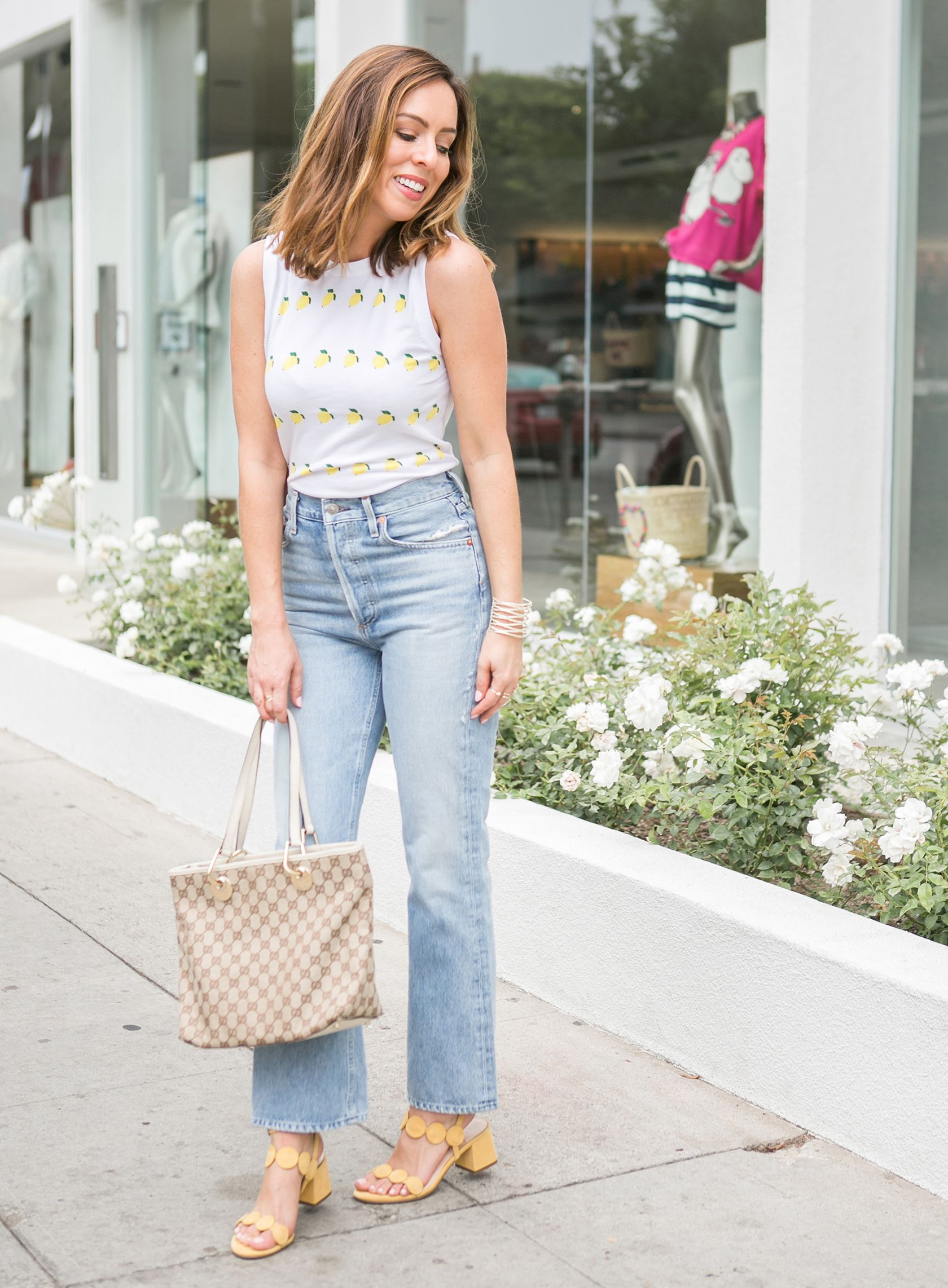 7b7ee031c02d1 Sydne Style shows what to wear with mom jeans for summer outfit ideas