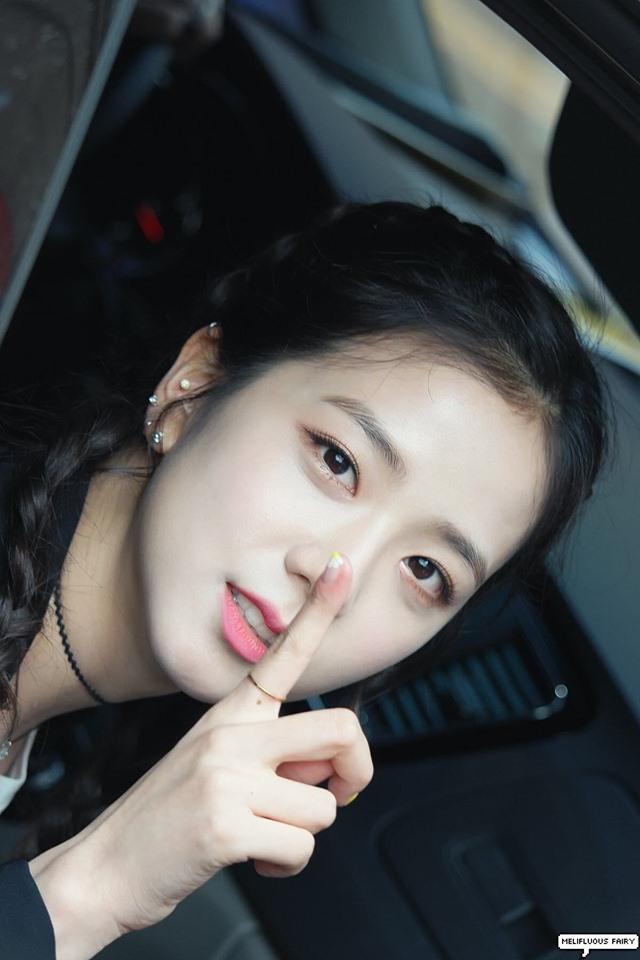 Fans Compile Unique Ear Piercings Of Numerous K Pop Female Idols Kpopmap Ear Piercings Blackpink Jisoo Unique Ear Piercings