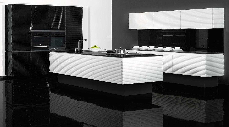 Contura Black and White High Gloss Kitchen Moderne