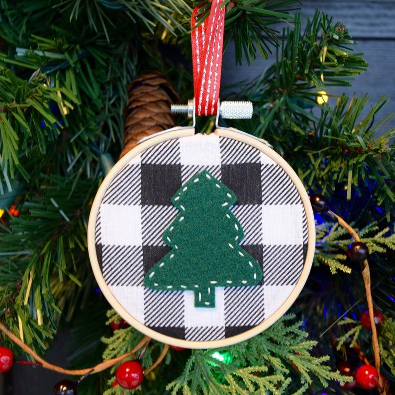 Buffalo Plaid Tree Embroidery Hoop Christmas Ornament Etsy Christmas Embroidery Christmas Crafts For Gifts Christmas Ornaments Gifts