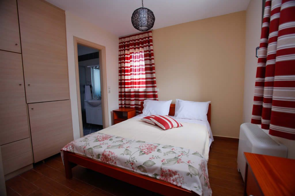 1st Bedroom of Villa Thalia in Kefalonia, Korallis Villas Kefalonia www.korallisvillas.gr
