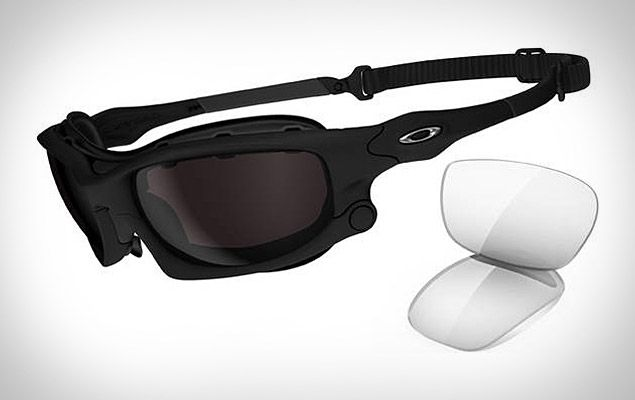 bb9dcbaa740de the Oakley Wind Jacket ( 220). Designed with motorcyclists in mind ...