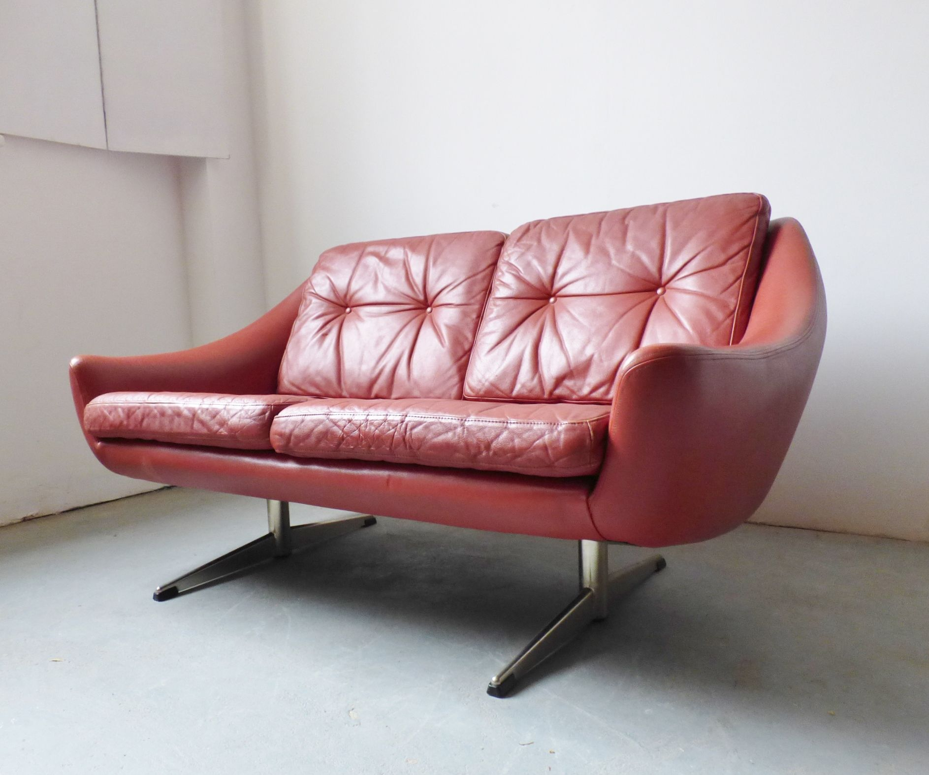 1960s Danish Red Leather 2 Seater Sofa By Eran