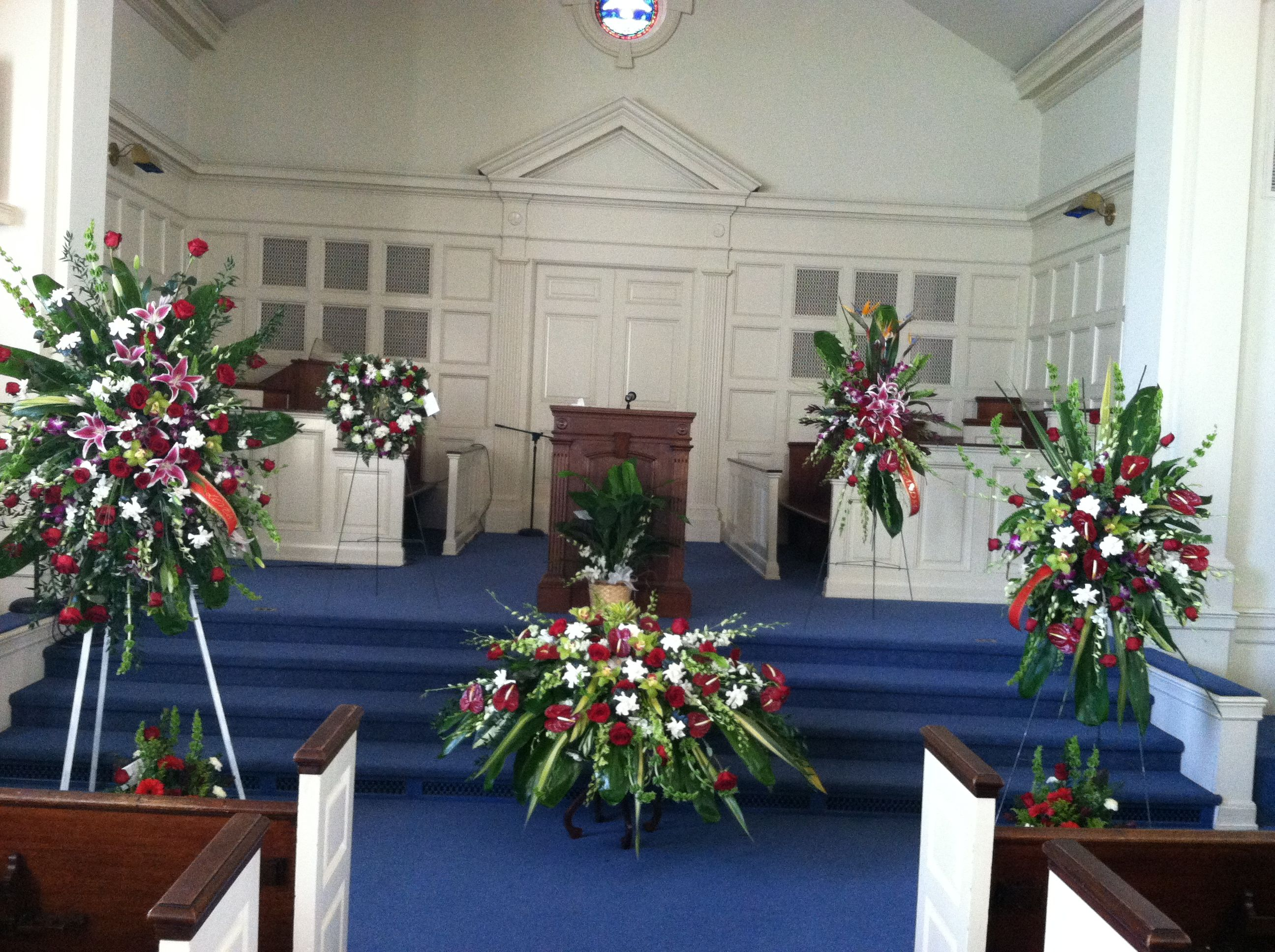 Strathmore florist modern black flower business card centerpiece funeral flowers set up at first baptist church chapel before the casket gets there izmirmasajfo
