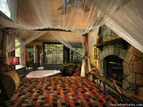 Romantic bedroom with fireplace and Jacuzzi (Slippery Rock) (#4 of ...