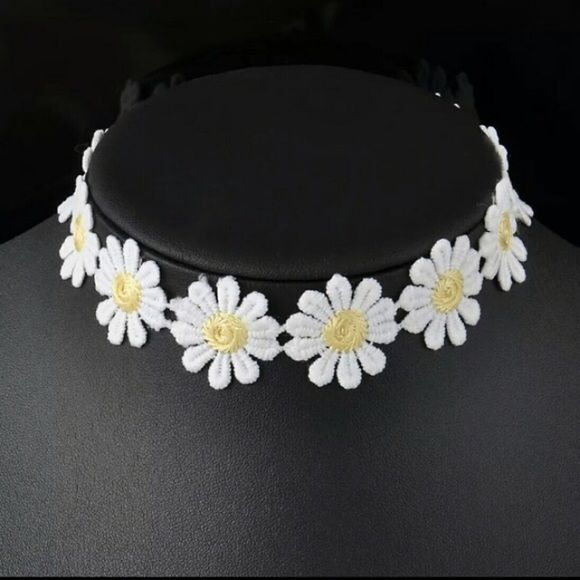 Daisy Choker Daisy chain choker from dollskill UNIF Jewelry Necklaces