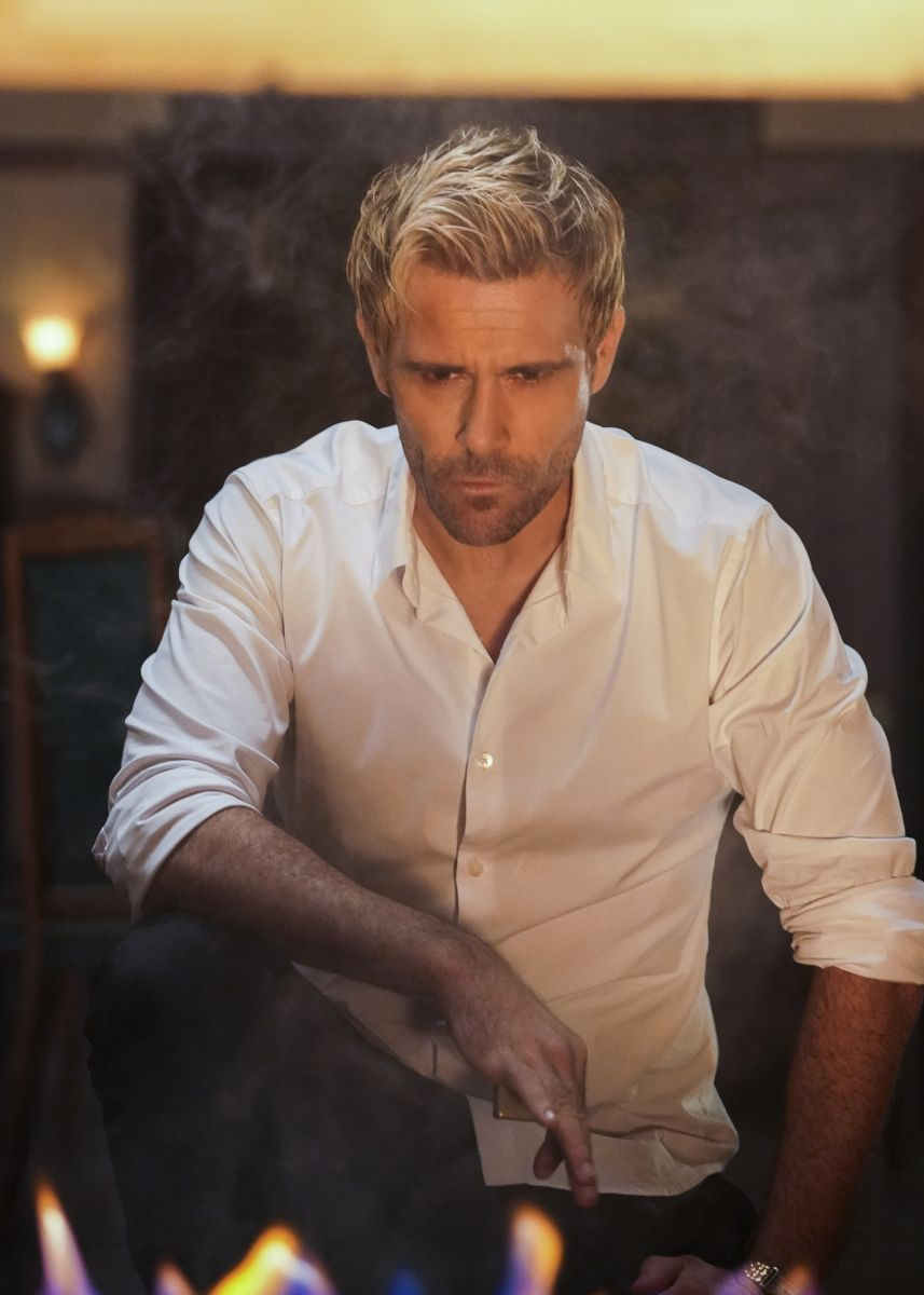 Dc S Legends Of Tomorrow In 2020 Matt Ryan Constantine Dc Legends Of Tomorrow Constantine