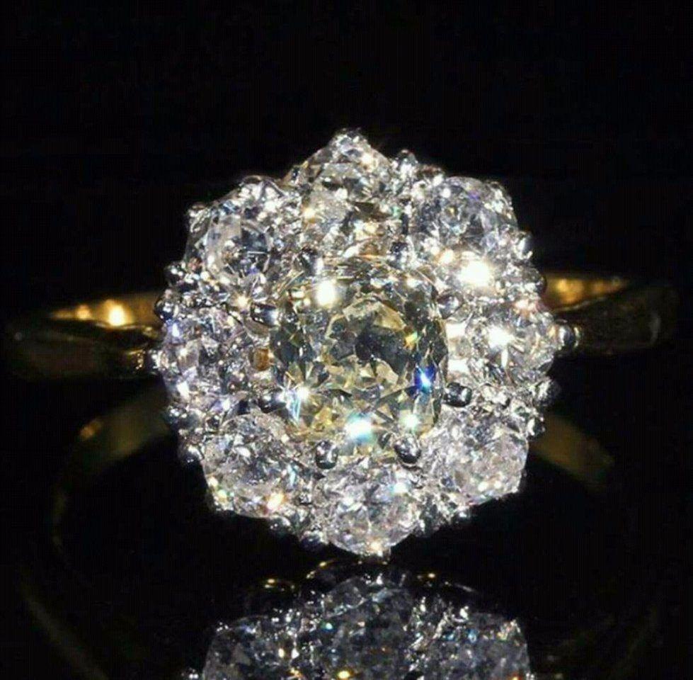 Impresionantes anillos!! Imposible dejar de mirarlos...