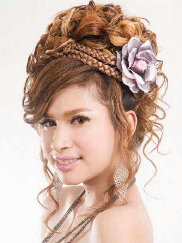beautiful wedding hairstyle  curly hair styles naturally