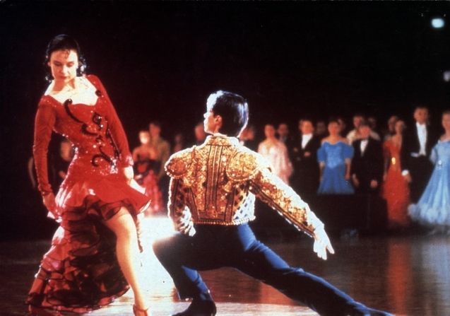 baz luhrmann strictly ballroom essay Cinematic techniques in strictly ballroom essay  'strictly ballroom' directed by baz luhrmann effectively depicts the experience of an individual trying to .