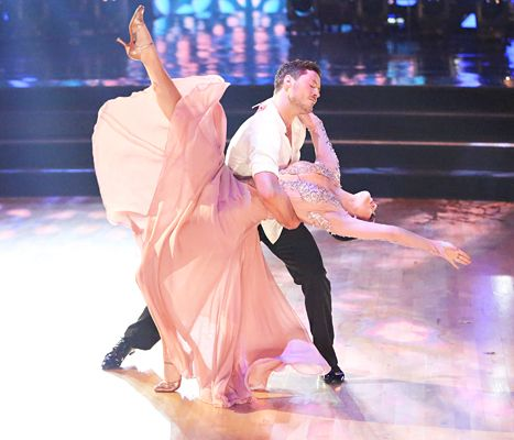 Bruce Willis, Demi Moore Reunite, Cheer On Daughter Rumer On DWTS! #dancingwiththestars