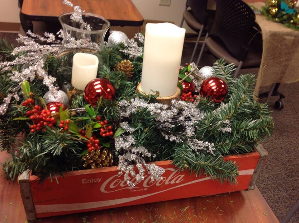 Pin On Christmas Centerpieces