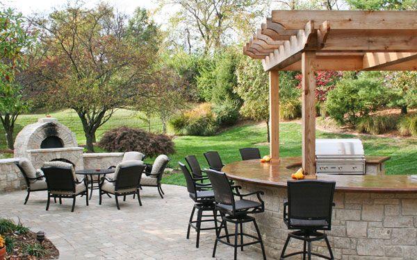 Fall Outdoor Dining Area Like Bar Design