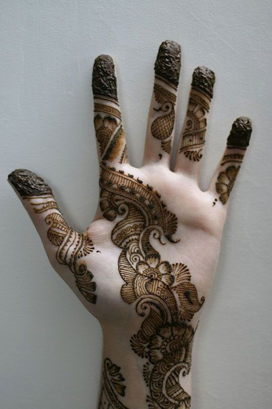 28 Easy And Simple Mehndi Designs That You Should Try In