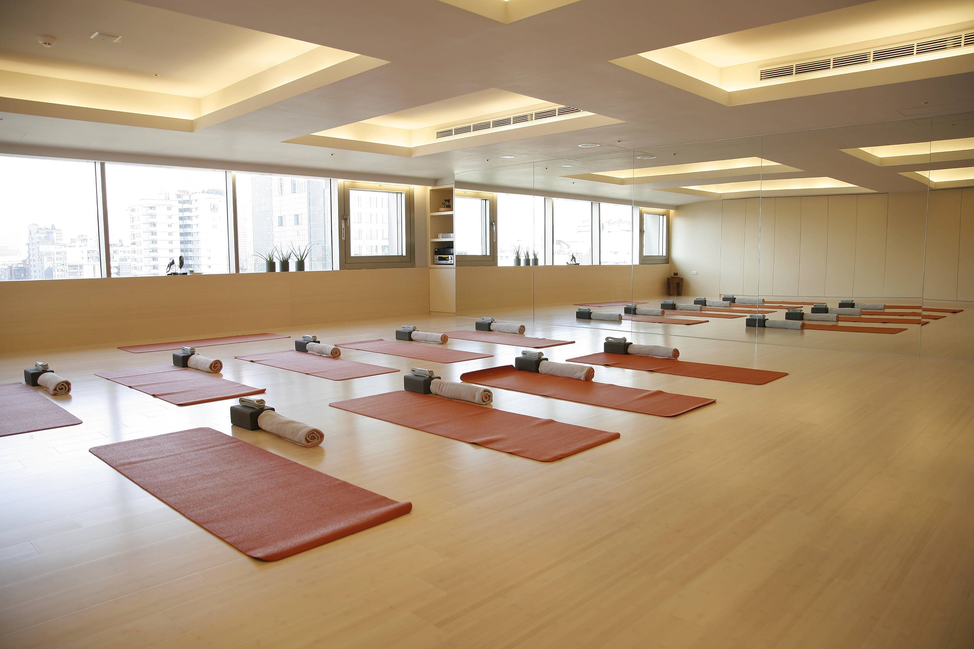 Luxury Yoga Room Google Search In Yoga Studio