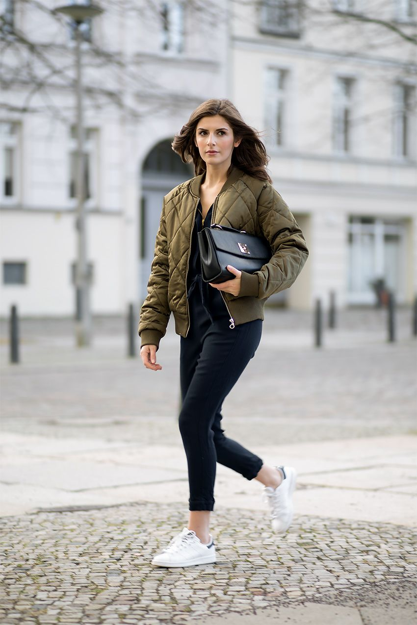 Style Tips On How To Wear A Bomber Jacket - Bomber Jacket Outfits ...