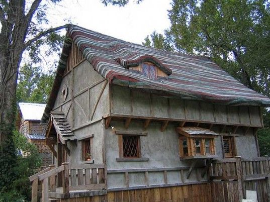 Charming Dan Phillips Is An Artist In Huntsville And Builds His Houses Using  Recycled Materials! Incredible! This Is The Storybook House . . . It Is  Truly A Fantasy!