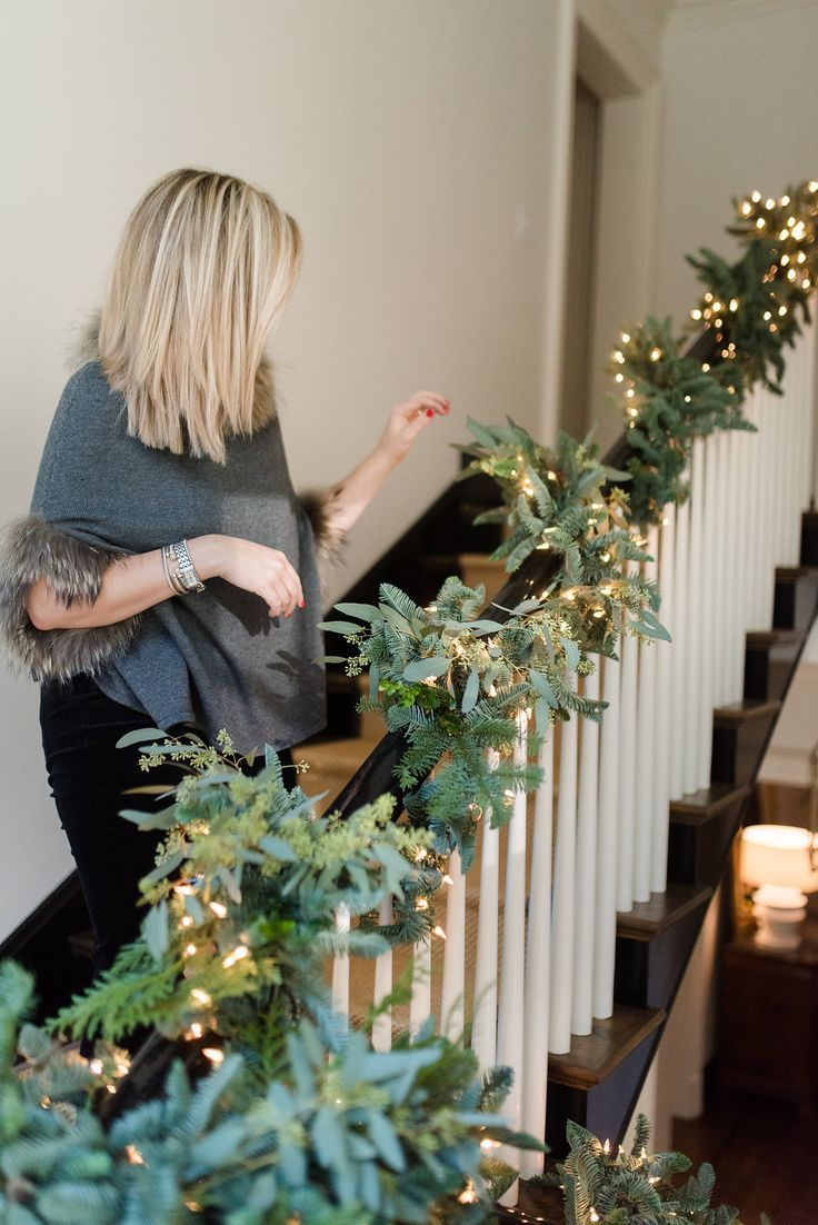 Decorating Your Staircase with Fresh and Faux Greenery #holidaydecor