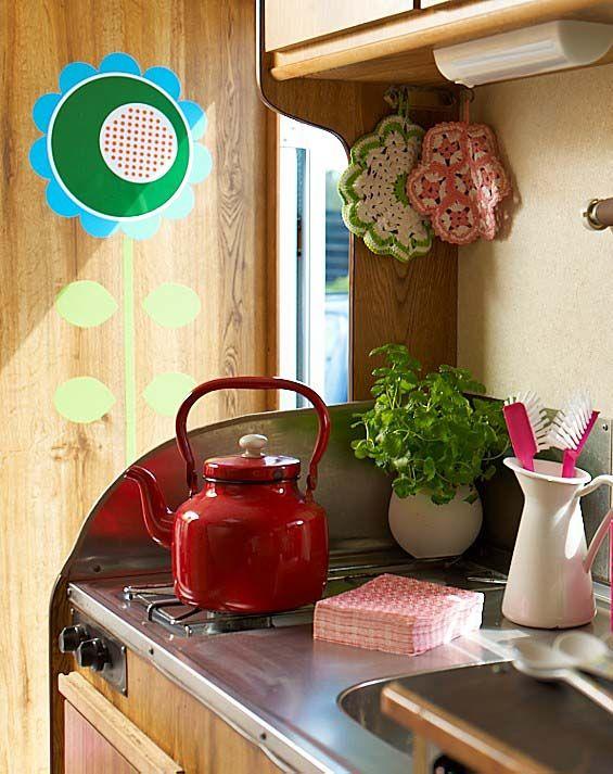 caravana retro y en marcha alg n d a tendr una caravana pinterest camper interior. Black Bedroom Furniture Sets. Home Design Ideas
