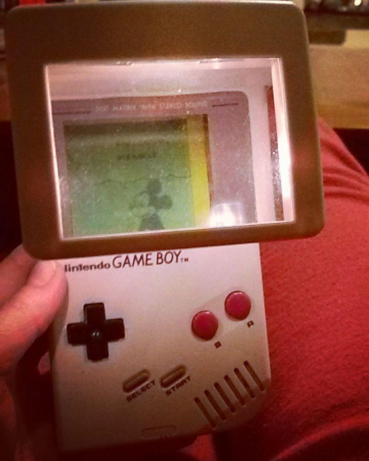 On instagram by anita_seb2015 #retrogames #microhobbit (o) http://ift.tt/1RfqjPc salto indietro di più di 20 anni #gameboy   #brokenscreen  BUT  #doesentmatter