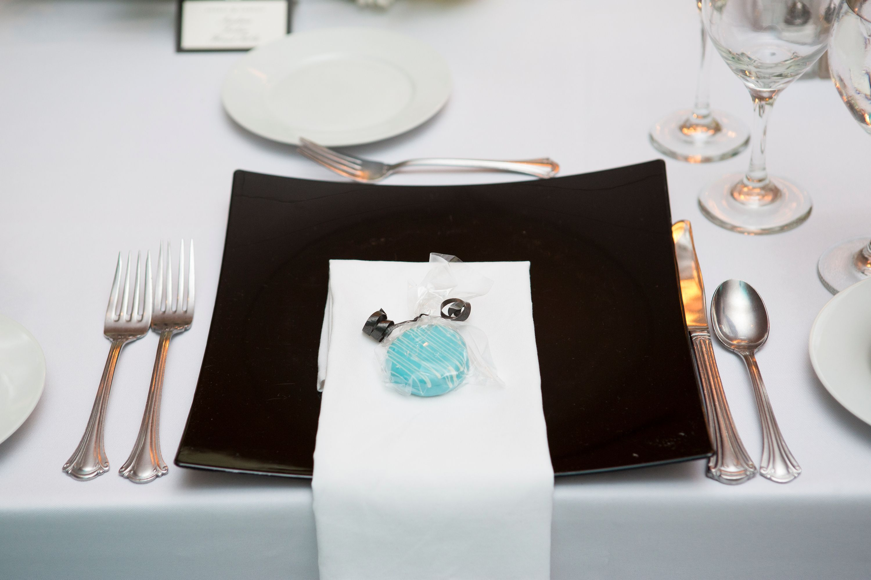 Tiffany blue wedding favor - chocolate covered Oreo | Details from ...