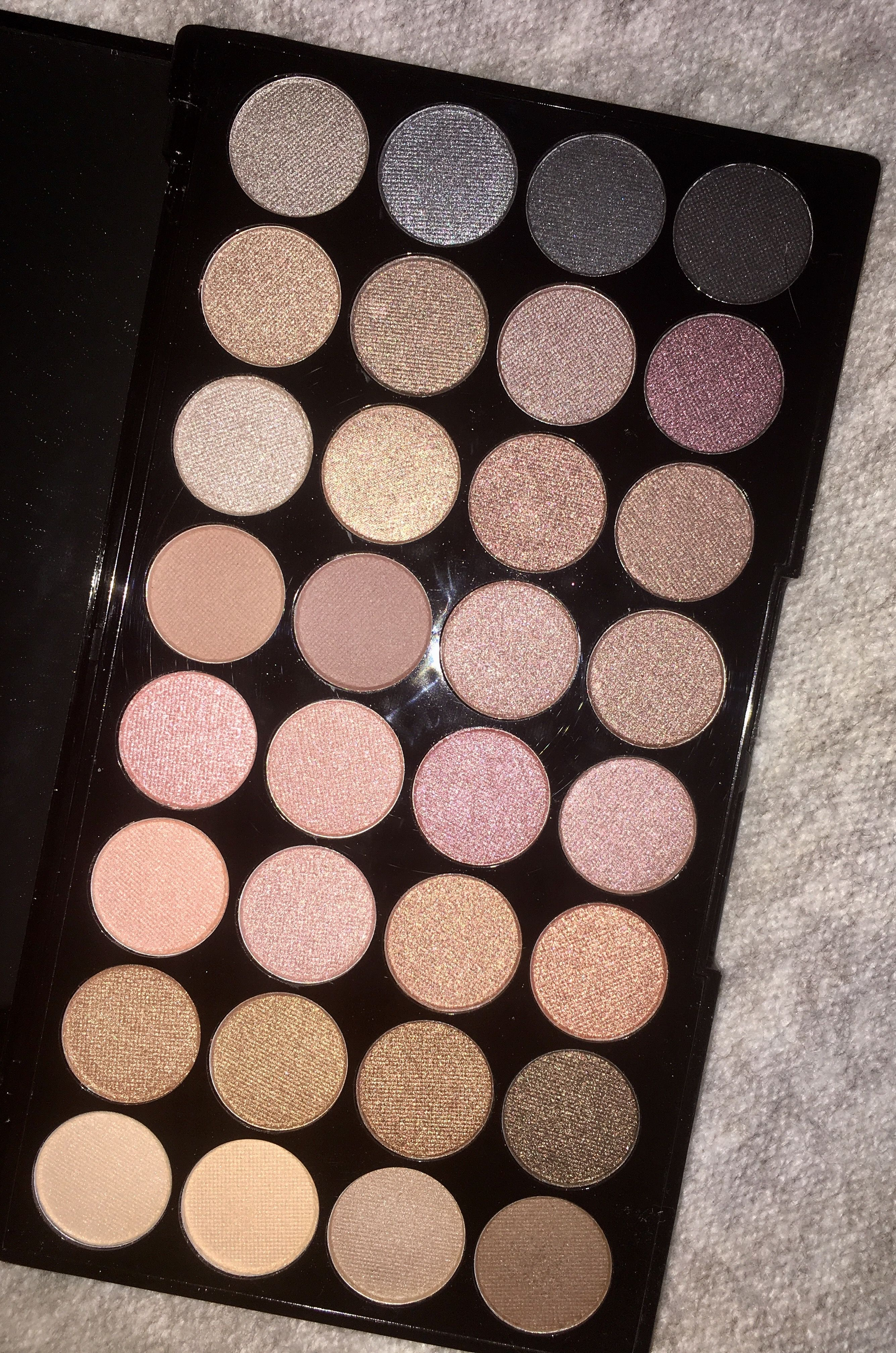 Makeup Revolution Ultra 32 Eyeshadow Beyond Flawless - This is my favorite eyeshadow palette atm,