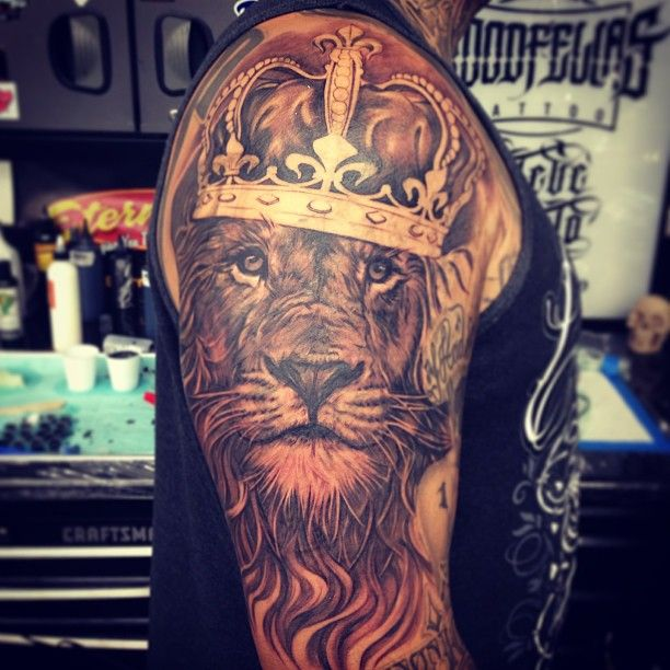 af87084f3eee9 Almost nine hours working on this King of the Jungle tattoo on collector  @mister_untouchable and