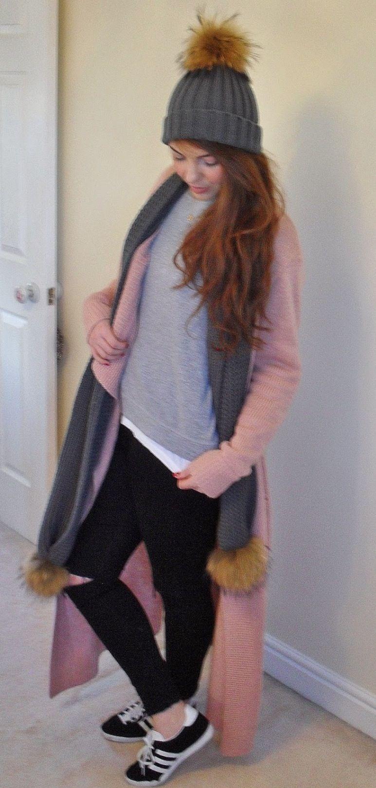 40cfac30190 Amelia Jane London hat and scarf pom pom set xx