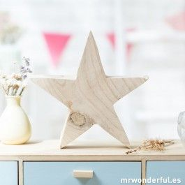 Estrella grande de madera