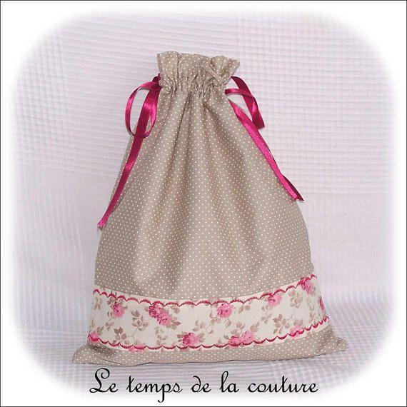 sac pochon lingerie tons de beige cru et rose fait main sac sac pochon et beige. Black Bedroom Furniture Sets. Home Design Ideas