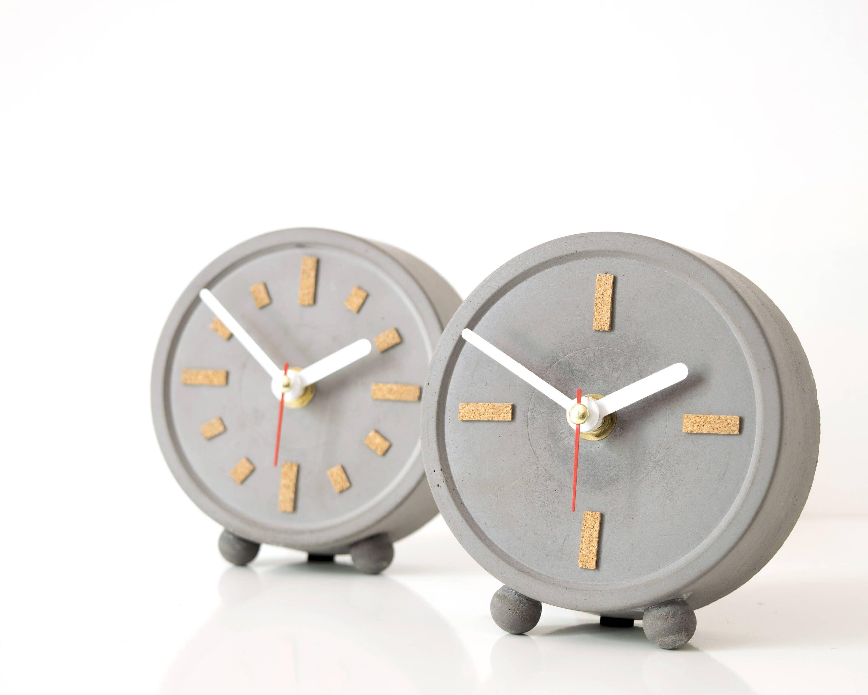 10+ Stunning Standing Clocks For Living Room