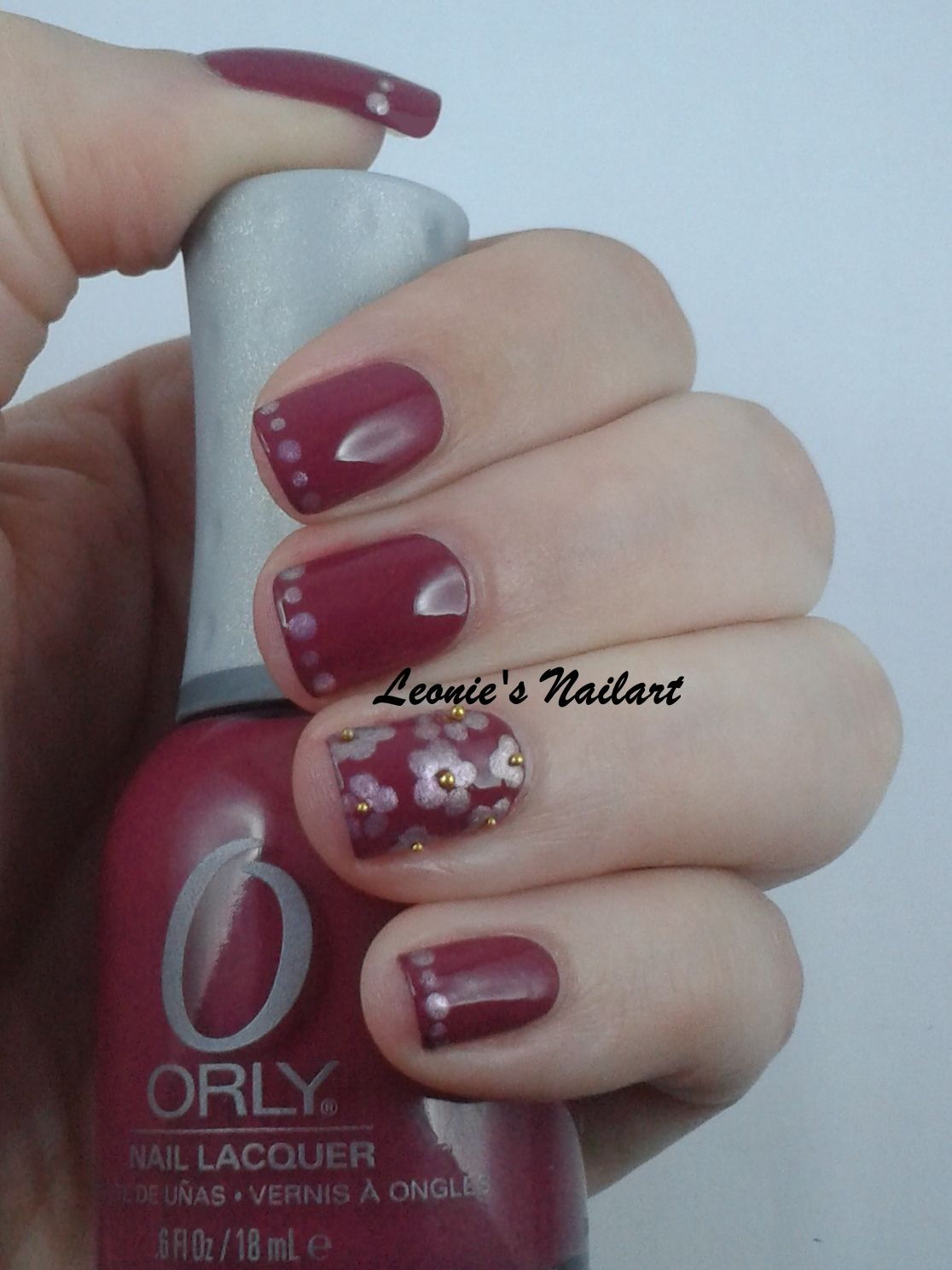 #31dc2 Day 8 Dotticure A simple dotticure with a dotted french line and 5-dotted flowers with gold caviar-beads as the centre. Oldpink: Orly Terra Mauve Dots: Catrice Haute Future GaLILACxy Leonie's Nailart