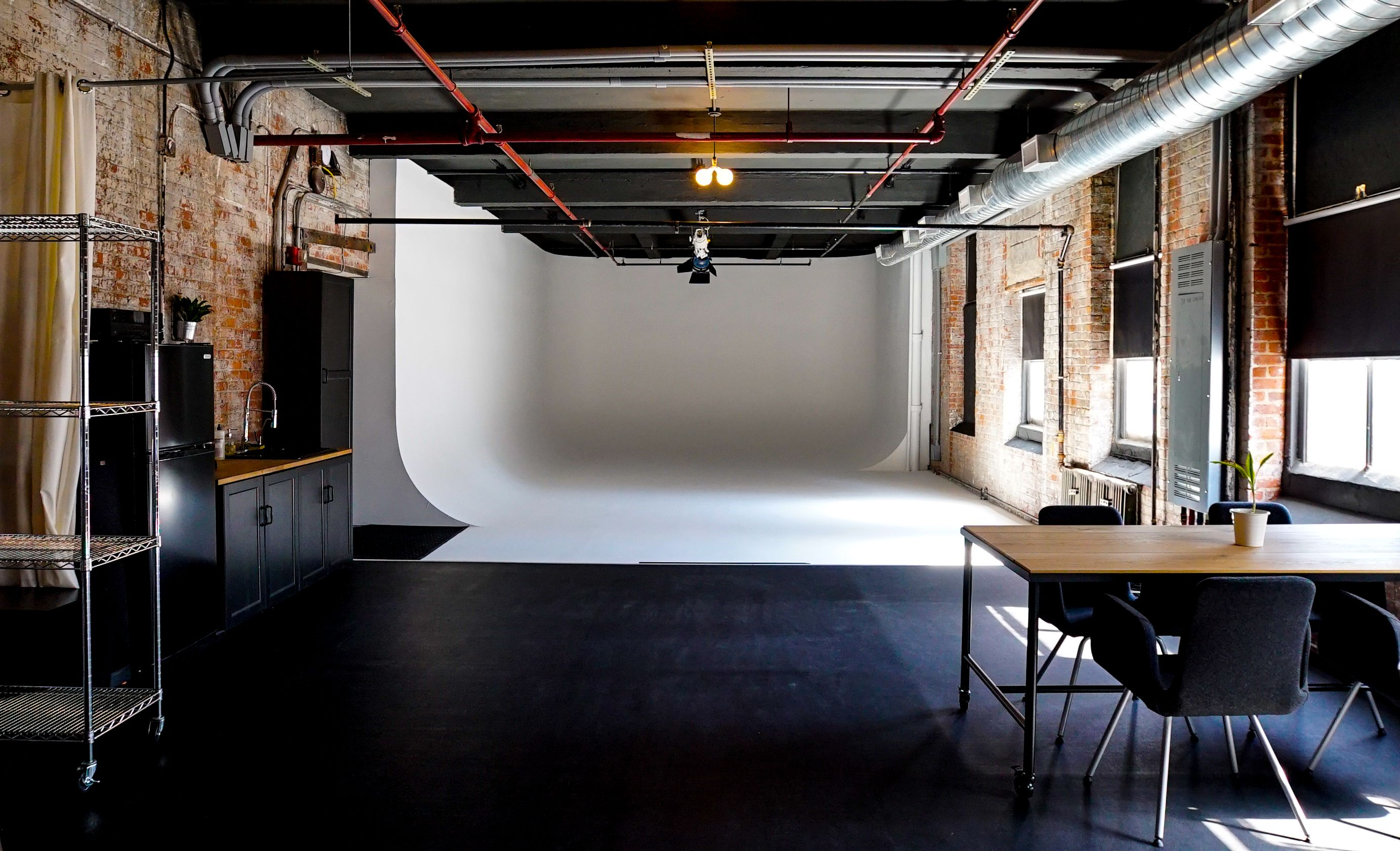 Check Out This Great Production Space On Peerspace Com Huge 3 Wall Cyc Studio Perfect For Photo Video In Coworking Space Design Studio Space Space Design