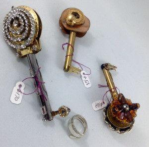 other side keys 168, 169, 170