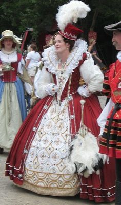 I would love to make this. I know it will be hot though for the Ren fair in May.