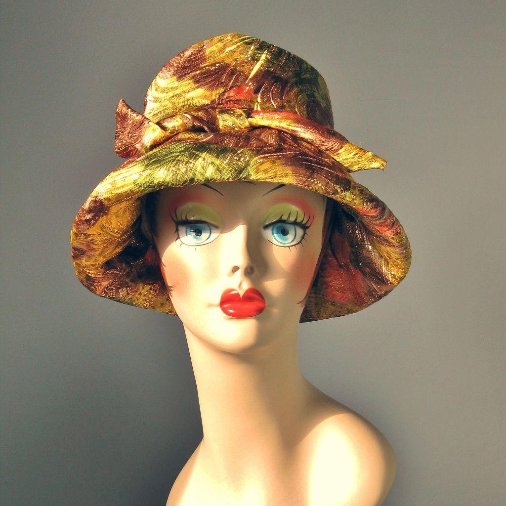 Vintage Mod 1960s Metallic Bucket Cloche Hat
