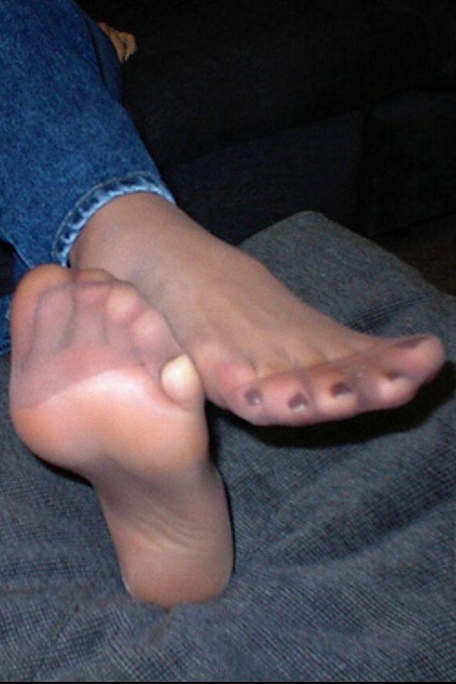 Sexy nylon feet ♥