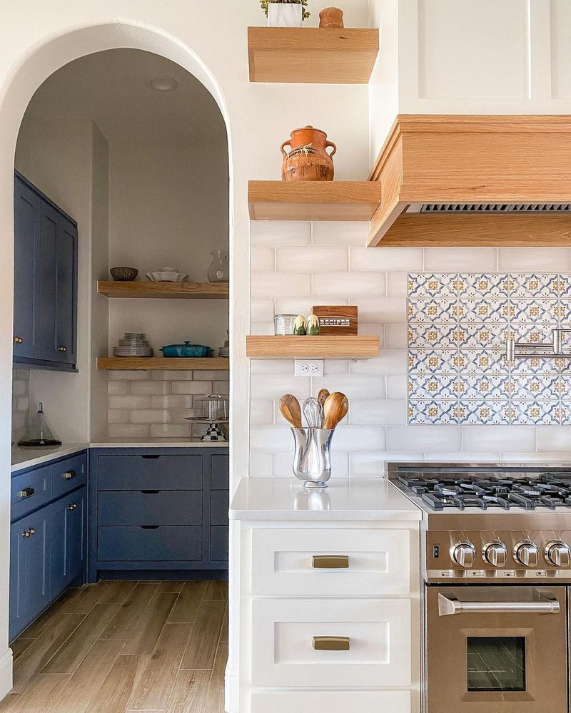 9 Blue and White Kitchens That Prove This Color Pairing Is ...