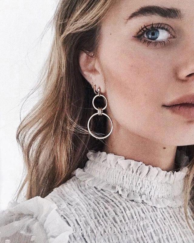 Photo of Gullpyramide øreringer – minimale / minimalistiske / moderne / små firkantede pigger / geometriske pigger / hverdags studs / gaver til hennes / kjæreste gave – Fine smykker ideer