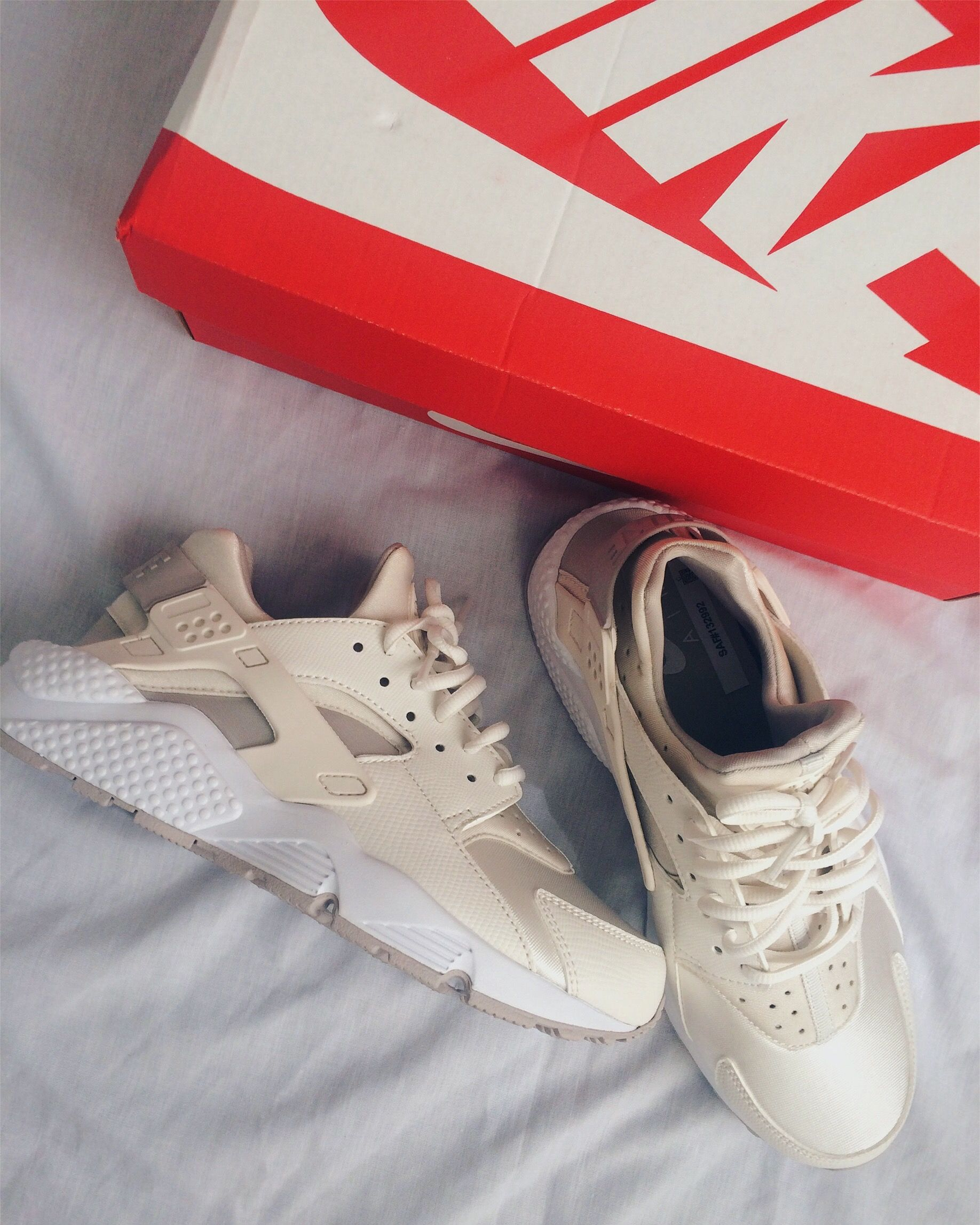super popular 28c12 0706f Nike Huarache Phantom White Sneakers Cream Beige Outfit Street Style