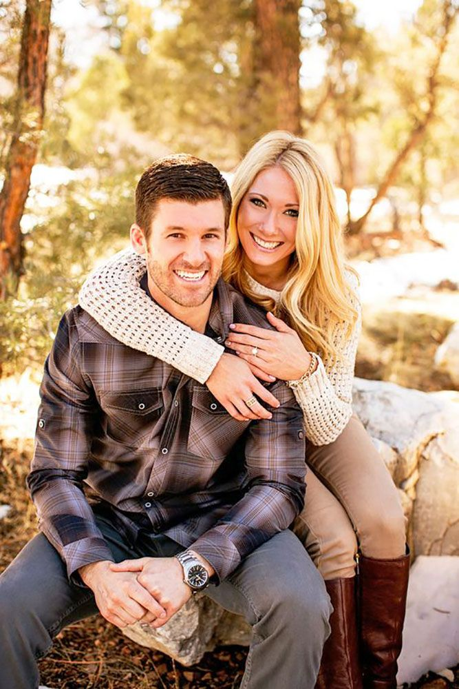 engagement photo poses for