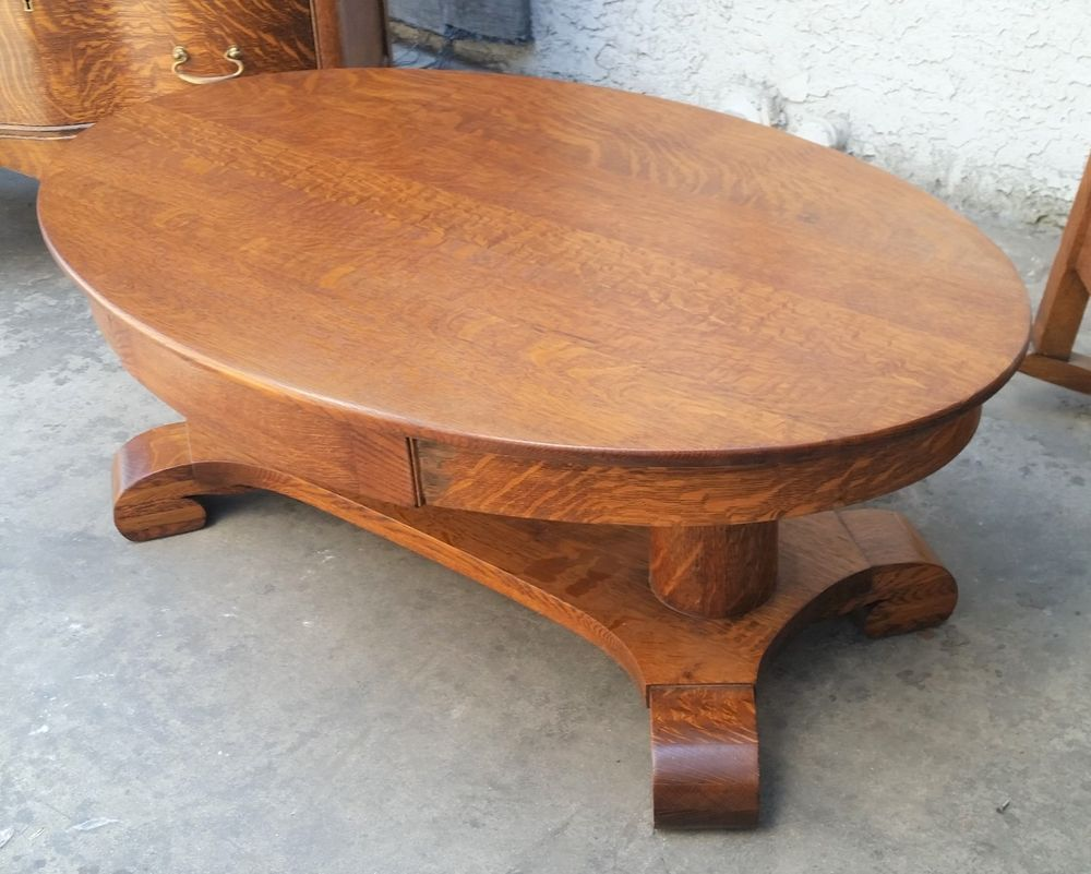 wonderful american oak oval coffee table the wood on this piece is rh pinterest com