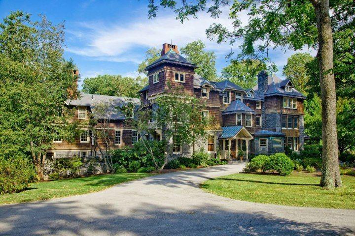231 Laurel Lane Haverford Pa 19041 Auction Date October 6th At 12pm Et Starting Bid 750 000 Estates Haverford Pretty House
