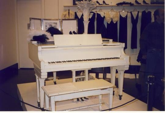 Marilyn Monroe's Piano ~~ The white lacquered baby grand piano was one of the most loved and prized possession of the Hollywood Diva Marilyn Monroe. She loved the piano extremely and it actually belonged to her mother Gladys. The piano was bought for a astounding $662,500  by the singing siren Mariah Carey. The piano has also been mentioned and fondly spoken of in Marilyn's autobiography.