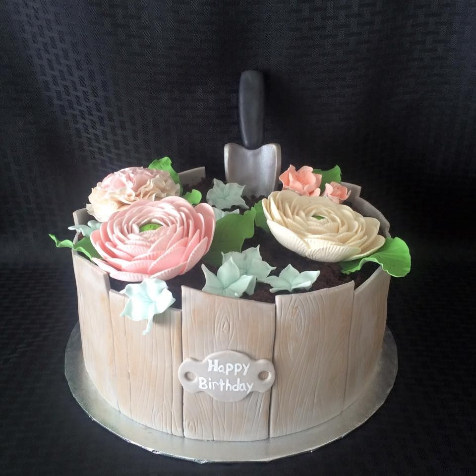 Garden Party Birthday Cake cakedecorating fondant gumpaste