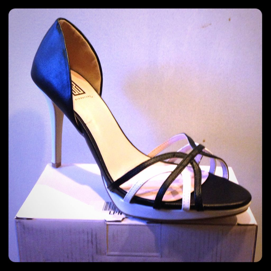 Brand New Phyllis Signature By Shoe Dazzle!