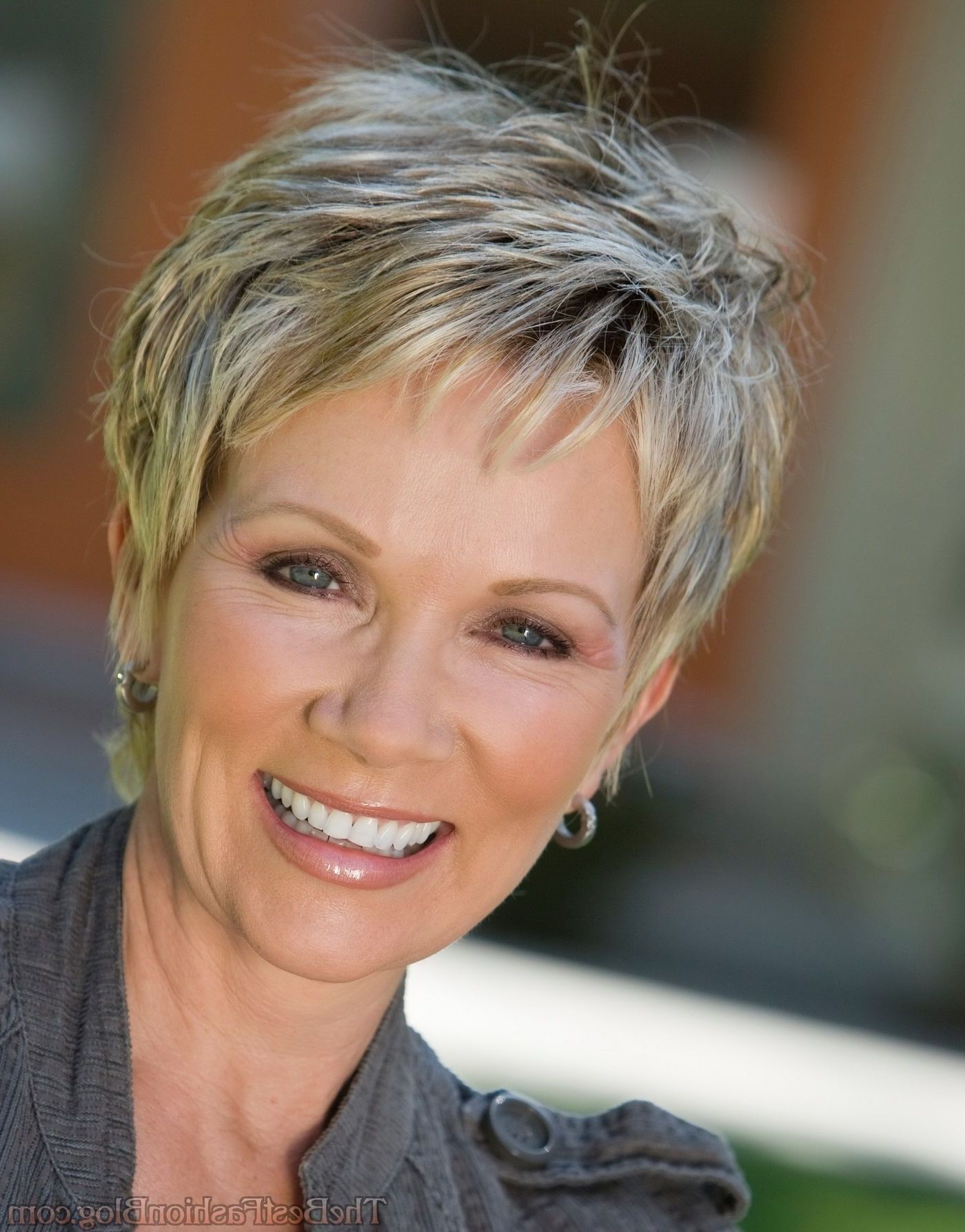 short haircuts for women with thin fine hair over